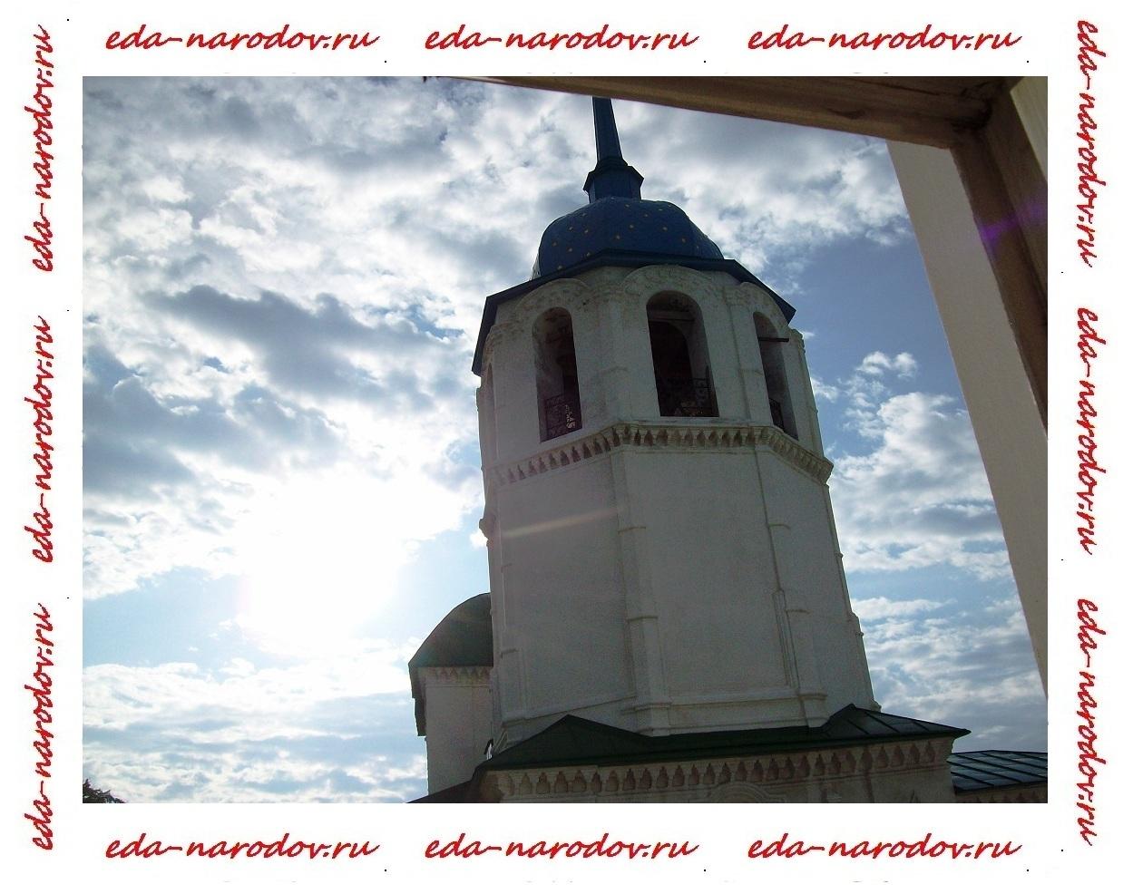 Колокольня Посольского монастыря