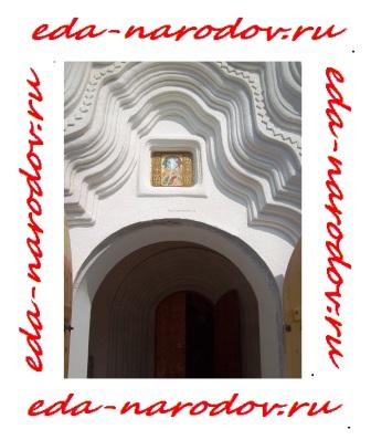 Вход в храм на Байкале