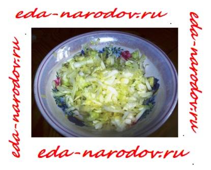 Салат из свежей капусты - фото